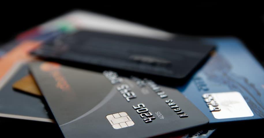Credicard Mastercard Black: acumule até 10 pontos por dólar gasto