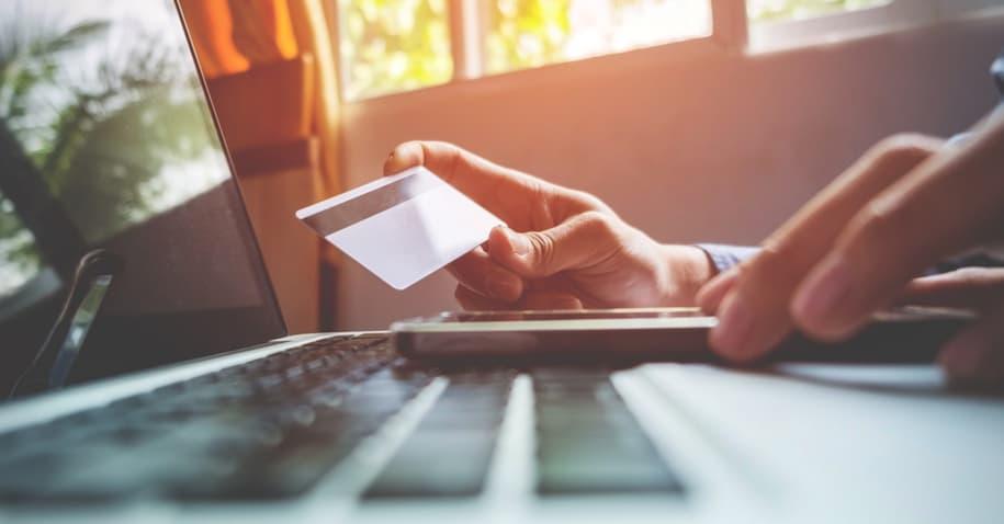 Cartão Santander Free: anuidade zero em faturas acima de R$100