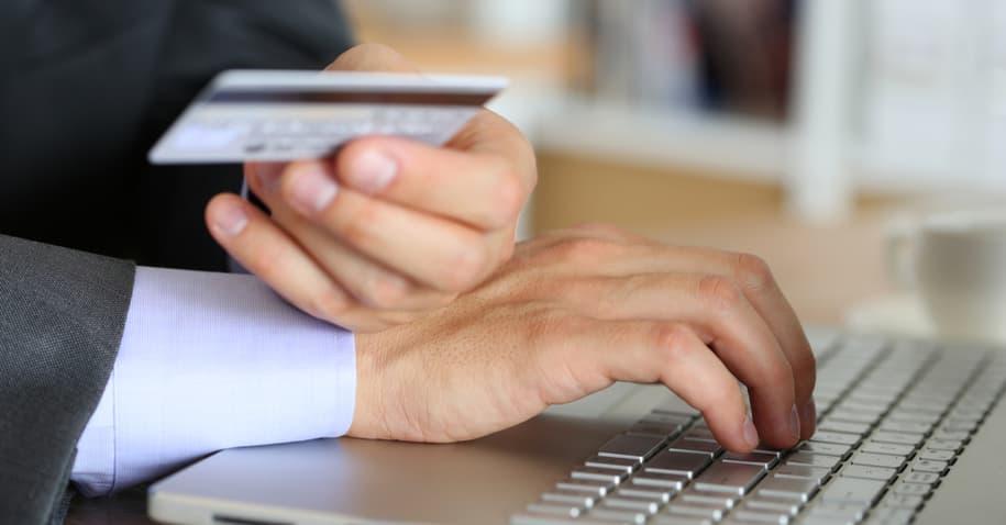 Cartão Crefisa: conheça os dois cartões pré-pagos da marca