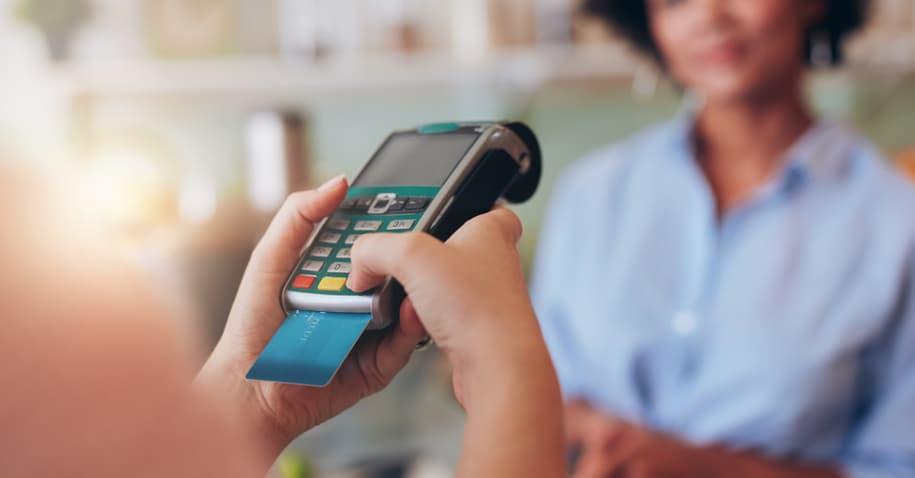 Principais diferenças entre crédito e débito