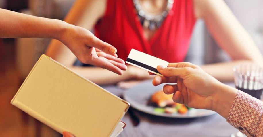 É viável fornecer cartões vale-alimentação aos funcionários?